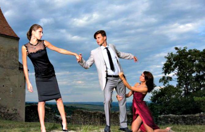 de-ce-mai-sta-o-femeie-cu-barbatul-care-a-inselat-o-1-size1-465x390