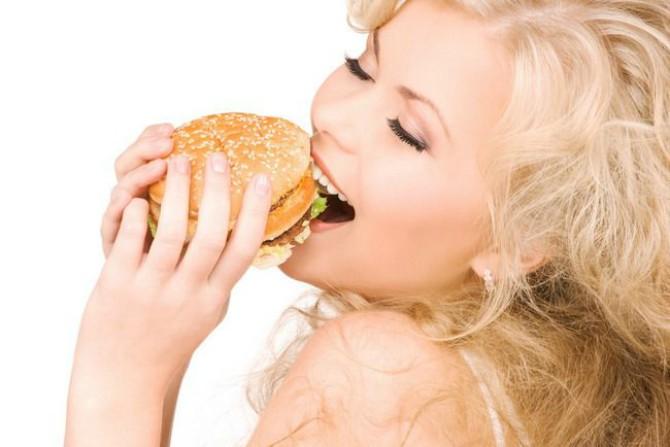 hamburgerul-care-nu-ingrasa-ei-bine-exista-in-sua-dar-il-poti-prepara-si-tu_size1